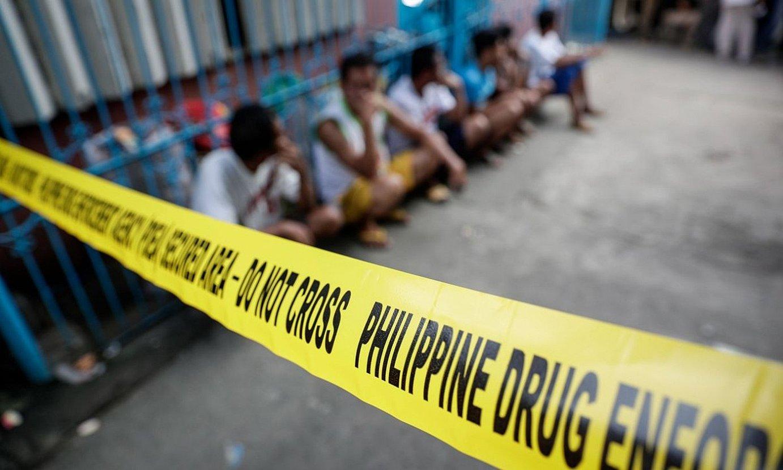 Narkotrafikoaren kontrako polizia operazio bat, Filipinetako Valenzuela hirian, 2017an. ©MARK CRISTINO / EFE