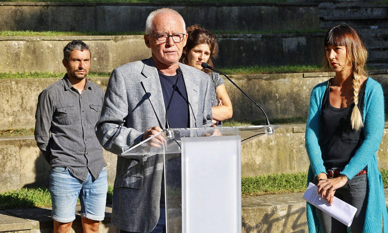 <b>Arrasate.</b> Arrasateko eta Hego Euskal Herriko Sarek atzo egindako agerraldia. ©MAIALEN ANDRES / FOKU
