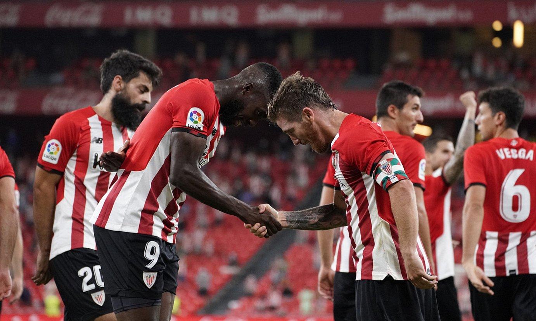 <b>Muniain eta Iñaki Williams, gol bat ospatzen, Mallorcaren aurka.</b> ©ARITZ LOIOLA / FOKU