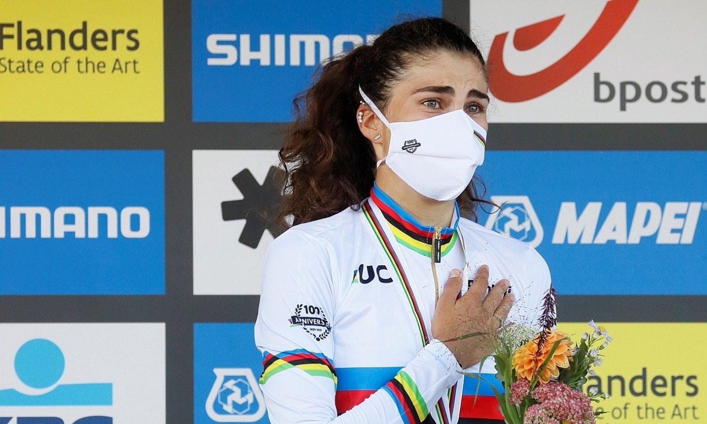 Elisa Balsamo italiarra, urrezko dominarekin. ©JULIEN WARNAND / EFE