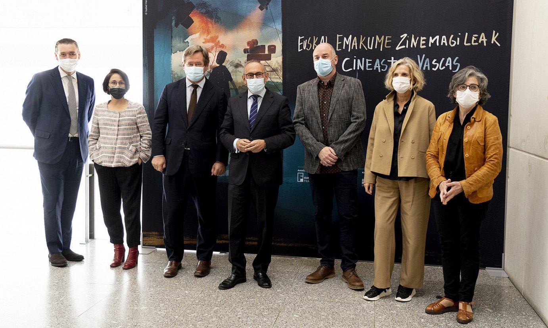 Euskadiko Filmategiaren eta Artiumen arteko hitzarmena atzo aurkeztu zuten, Gasteizen. ©RAUL BOGAJO / FOKU