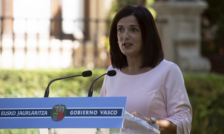 Beatriz Artolazabal argibideak ematen, artxiboko irudi batean. ©RAUL BOGAJO / FOKU