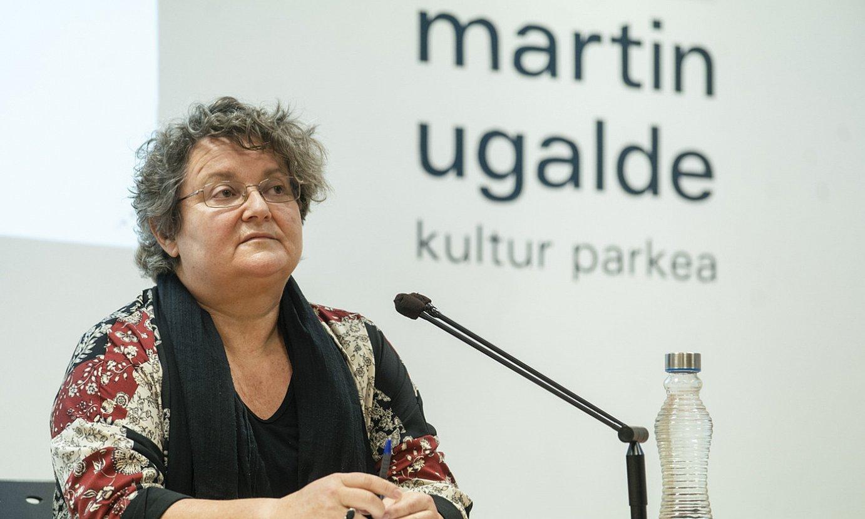Nerea Azurmendi, atzo, hitzaldian. ©GORKA RUBIO / FOKU