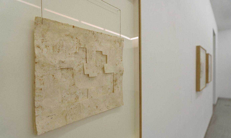 Eduardo Txillidaren bi Grabitazio, Bilboko Carreras Mugica galerian. ©ARITZ LOIOLA / FOKU