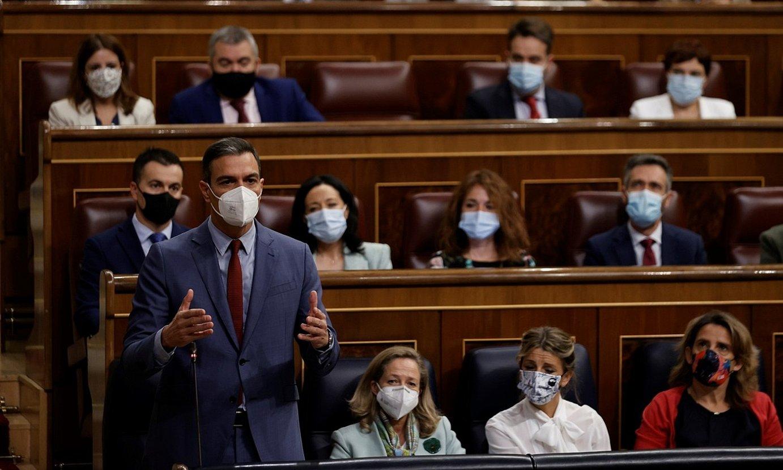Pedro Sanchez Espainiako Gobernuko presidentea, atzo, Kongresuan, gobernuaren kontrol saioan. ©EMILIO NARANJO / EFE