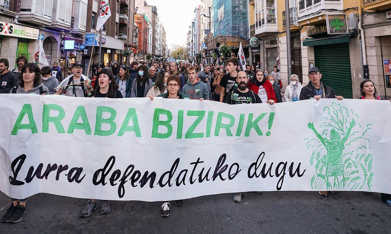 Araba Bizirik-ek atzo Gasteizen deitutako manifestazioa. ©ENDIKA PORTILLO / FOKU