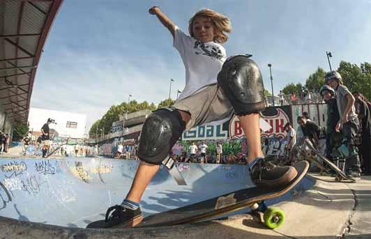 Surf eta skate materiala. Begiratu baldintza bereziak.