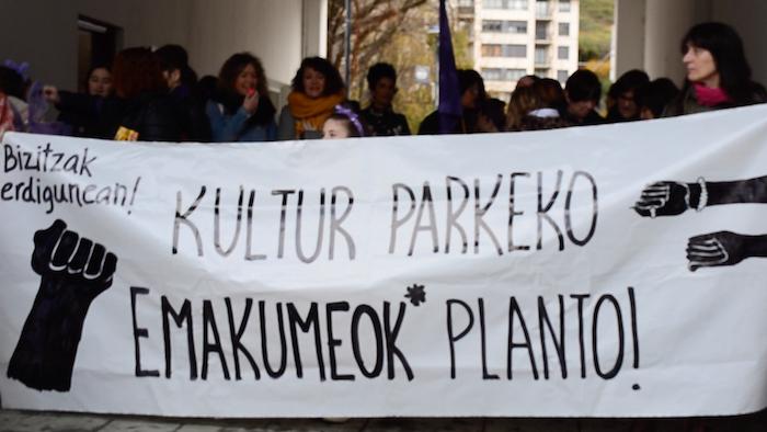 Grebarekin bat egin dute Martin Ugalde Kultur Parkeko emakumeek*