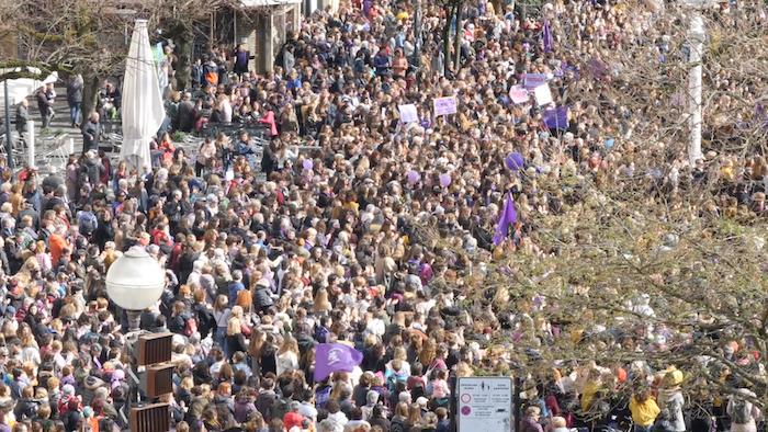 Greba feminista: Eguerdiko manifestazioa Donostian