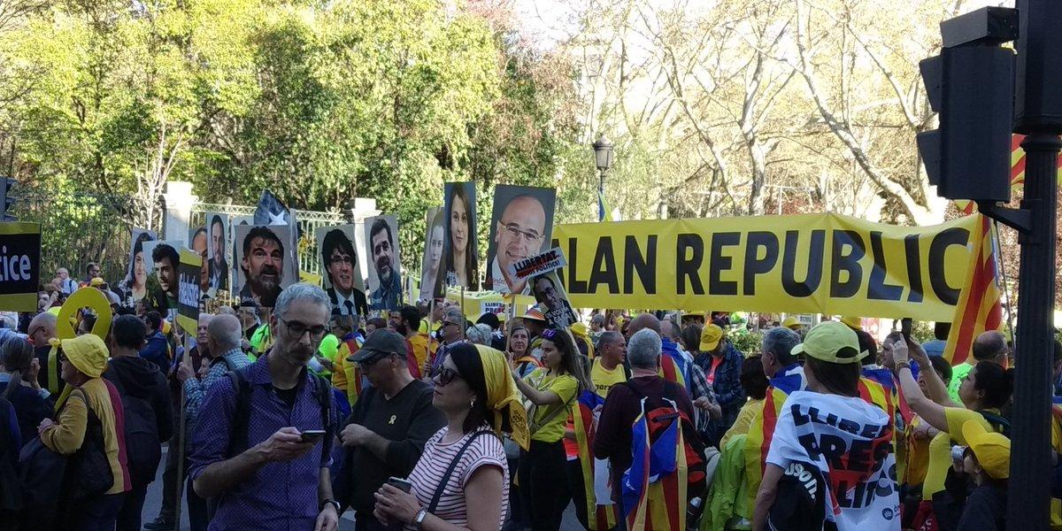 Kataluniako epaiketa salatzeko manifestazioa Madrilen
