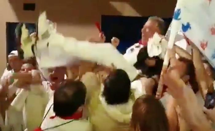 Asiron jauzika ibili du Armonia Txantreana peñak