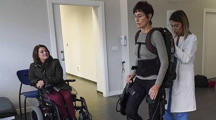 Exoeskeletoa esklerosi anizkoitza duten pazienteentzako