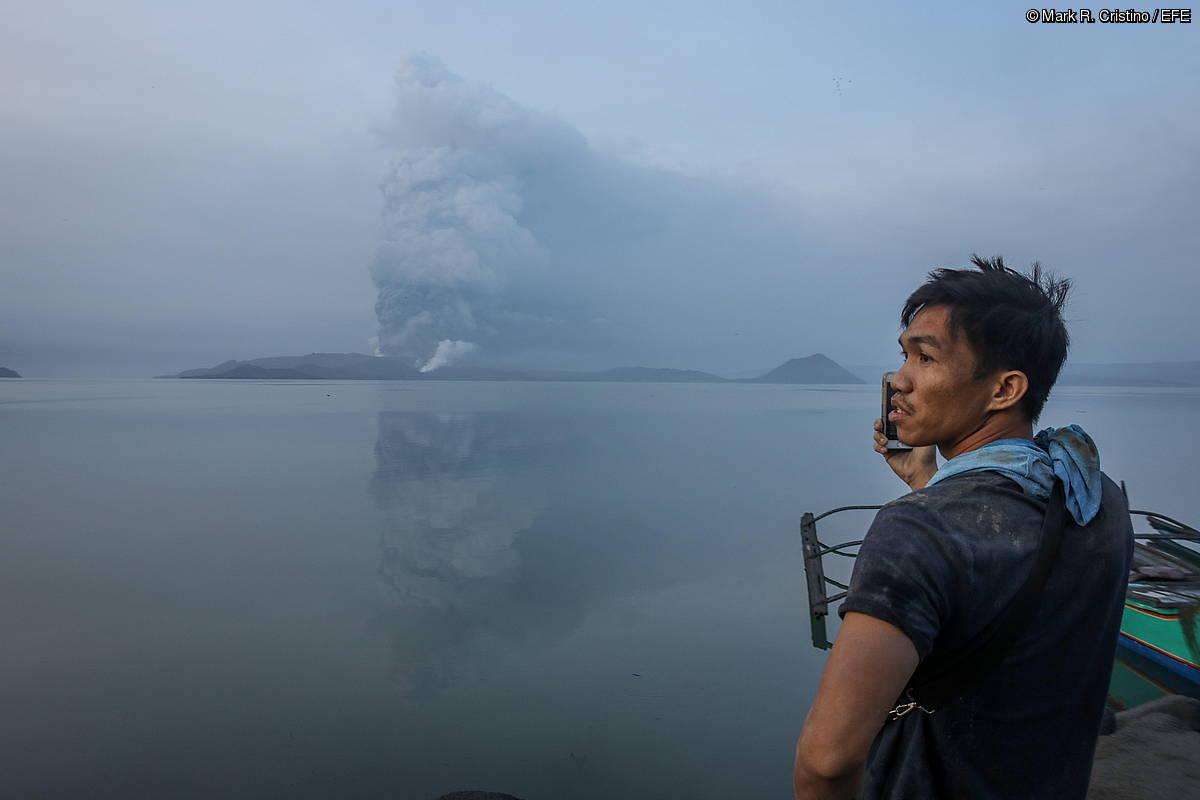 Filipinetako Taal sumendiaren erupzioa