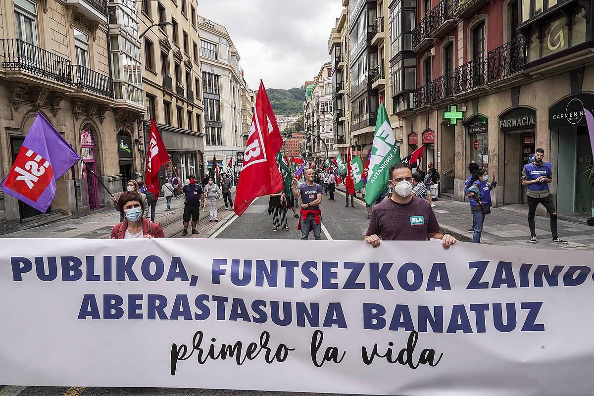 Eskubide Sozialen Gutunaren manifestazioak