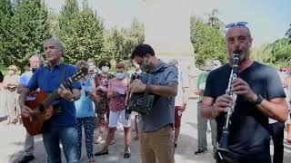 'Gernikako Arbola' ereserki egiteko eskaera egin dute Iruñean