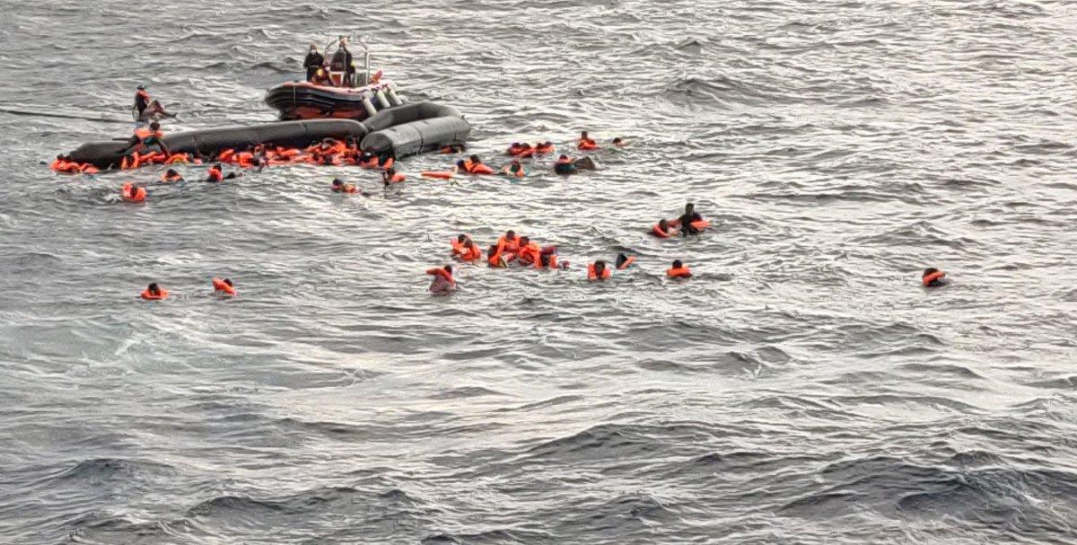 'Open Arms' ontziak 259 migratzaile erreskatatu ditu Mediterraneoan