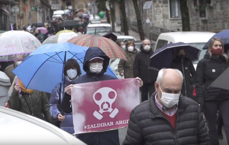 'Zaldibar argitu' manifestazioa Eibarren
