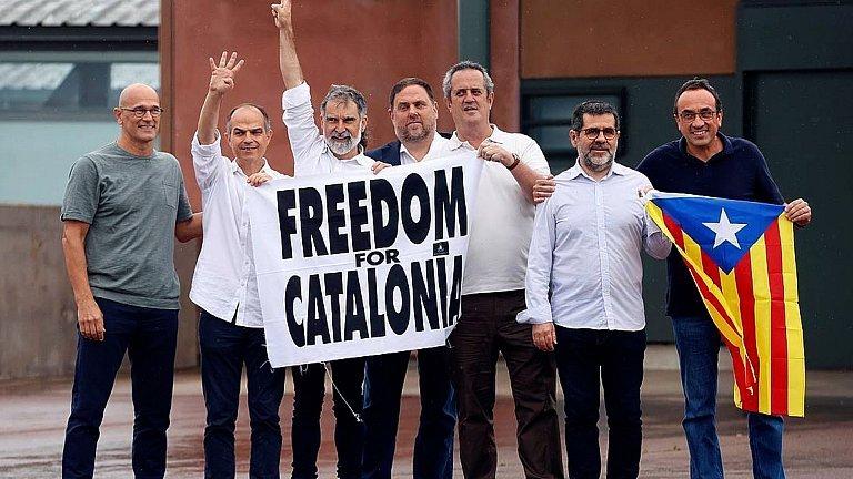 Kalean daude Kataluniako buruzagi independentistak
