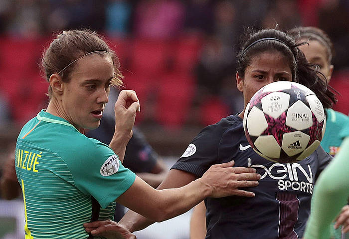 Marta Unzue Paris Saint-Germaineko elastikoa jantzita (ezkerrean), iaz apirilean, Txapeldunen Ligako partida batean.